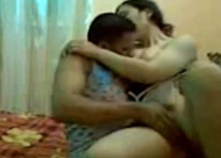 Cheating Egyptian wife fucked hard